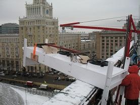Подъем груза на крышу